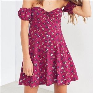 NWOT Urban Outfitters Floral Puff Sleeve Dress